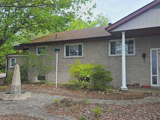 Detached at 1195 Sundowner Rd, Midland, Ontario. Image 14