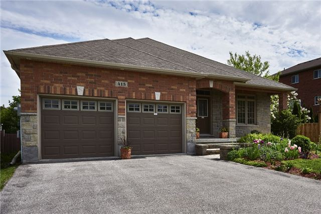 Detached at 415 Little Ave, Barrie, Ontario. Image 1