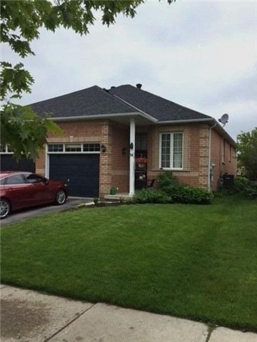 Semi-detached at 14 Peter St, Barrie, Ontario. Image 1