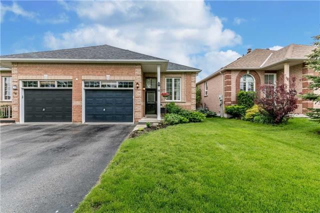 Semi-detached at 14 Peter St, Barrie, Ontario. Image 13