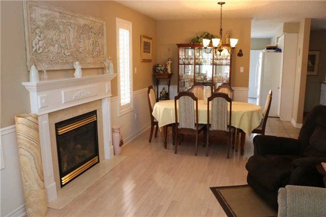 Detached at 86 Stephanie Lane, Barrie, Ontario. Image 15