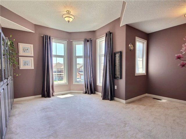 Detached at 18 Parisian Cres, Barrie, Ontario. Image 19