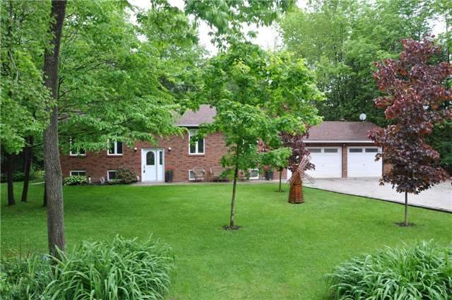 Detached at 2358 Foxmead Rd, Oro-Medonte, Ontario. Image 1