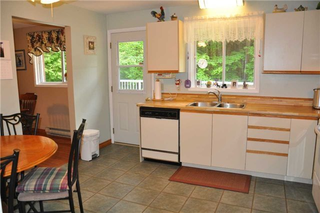 Detached at 2358 Foxmead Rd, Oro-Medonte, Ontario. Image 17