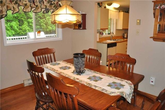 Detached at 2358 Foxmead Rd, Oro-Medonte, Ontario. Image 2