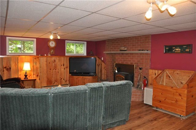 Detached at 2358 Foxmead Rd, Oro-Medonte, Ontario. Image 3