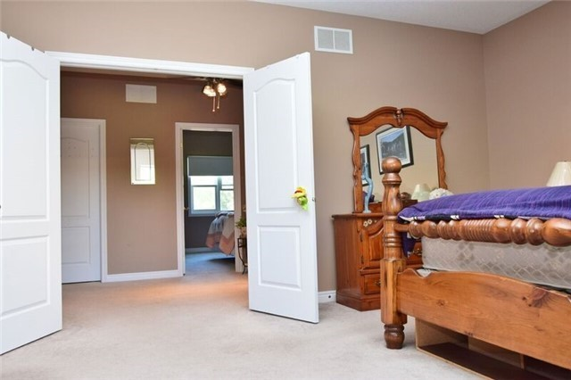 Detached at 307 Edgehill Dr, Barrie, Ontario. Image 11