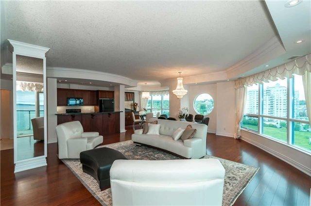 Condo Apartment at 33 Ellen St, Unit 1004, Barrie, Ontario. Image 1