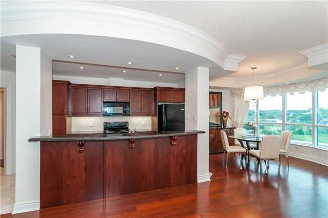Condo Apartment at 33 Ellen St, Unit 1004, Barrie, Ontario. Image 18