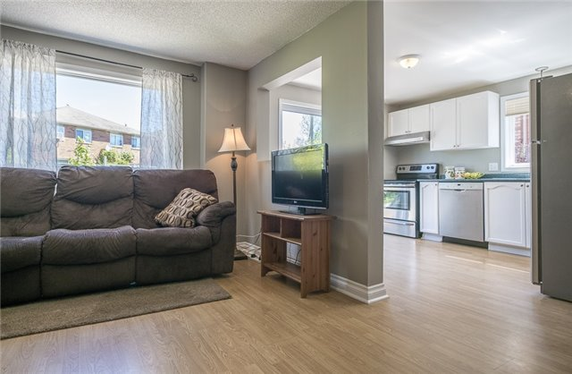 Detached at 55 Clute Cres, Barrie, Ontario. Image 12