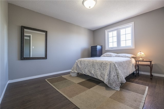 Detached at 55 Clute Cres, Barrie, Ontario. Image 3