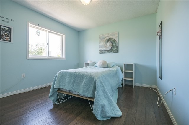 Detached at 55 Clute Cres, Barrie, Ontario. Image 5