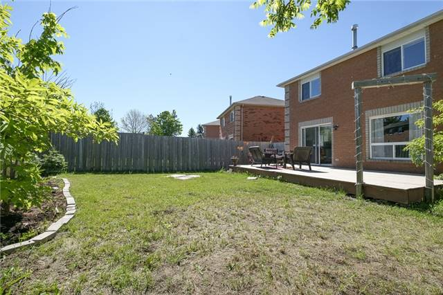 Detached at 55 Clute Cres, Barrie, Ontario. Image 7