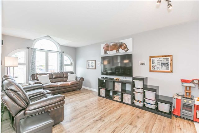 Detached at 192 Sproule Dr, Barrie, Ontario. Image 15
