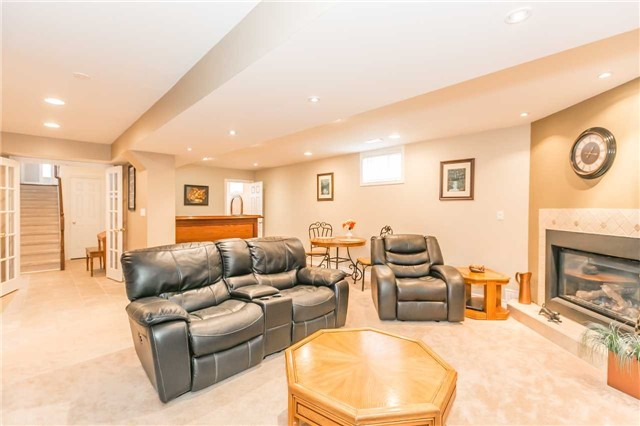 Detached at 192 Sproule Dr, Barrie, Ontario. Image 6