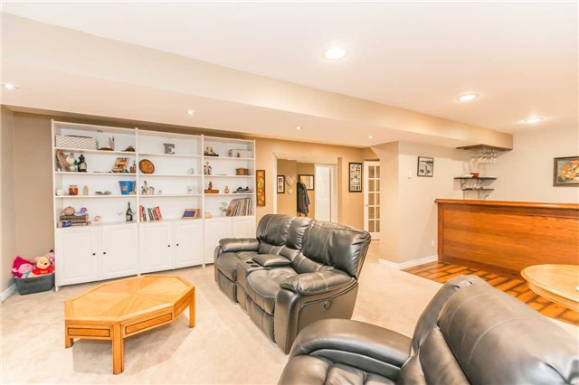Detached at 192 Sproule Dr, Barrie, Ontario. Image 7