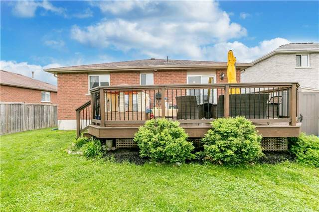 Detached at 192 Sproule Dr, Barrie, Ontario. Image 13