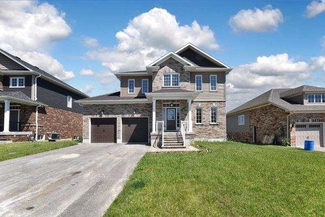 Detached at 233 Centre St, Clearview, Ontario. Image 1