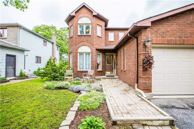 Detached at 27 Moore Pl, Barrie, Ontario. Image 12