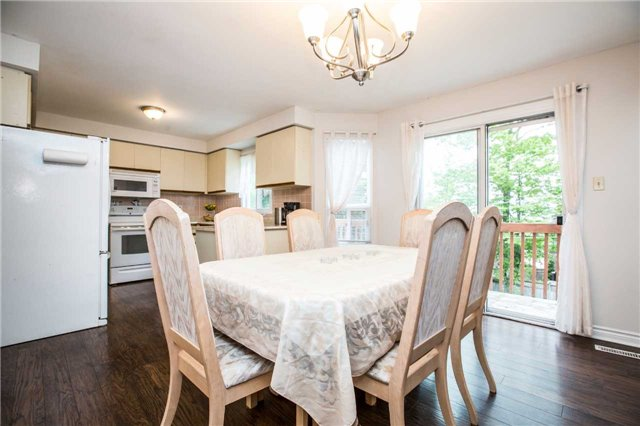 Detached at 27 Moore Pl, Barrie, Ontario. Image 17