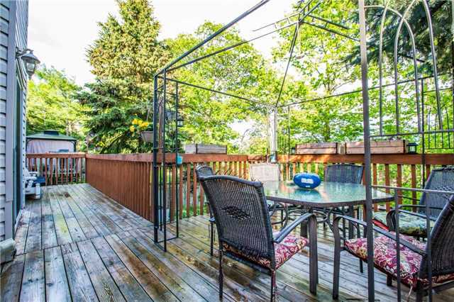 Detached at 27 Moore Pl, Barrie, Ontario. Image 11