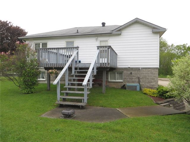 Detached at 54 Stone St, Springwater, Ontario. Image 8