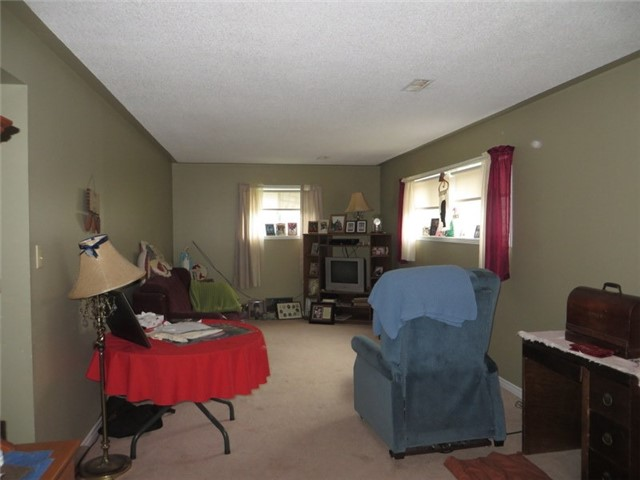 Detached at 54 Stone St, Springwater, Ontario. Image 4