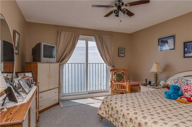 Condo Townhouse at 1064 Tiny Beaches Rd S, Unit 2, Tiny, Ontario. Image 17