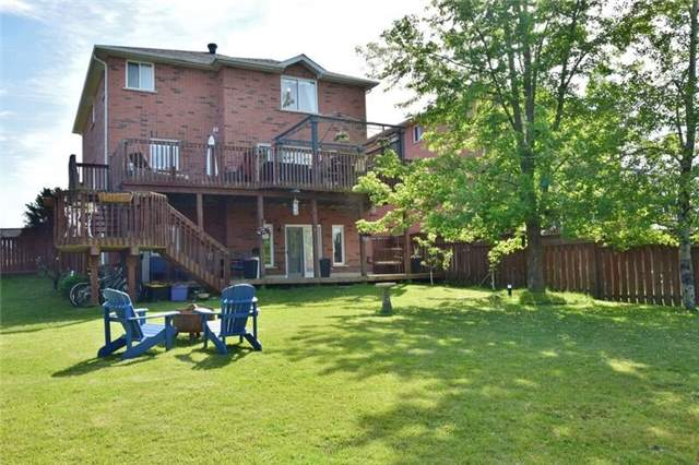 Detached at 5 Round Leaf Crt, Barrie, Ontario. Image 14