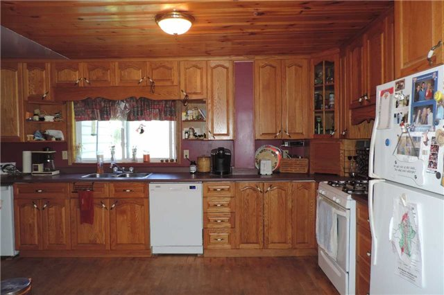 Detached at 3204 New Brailey Line, Severn, Ontario. Image 11