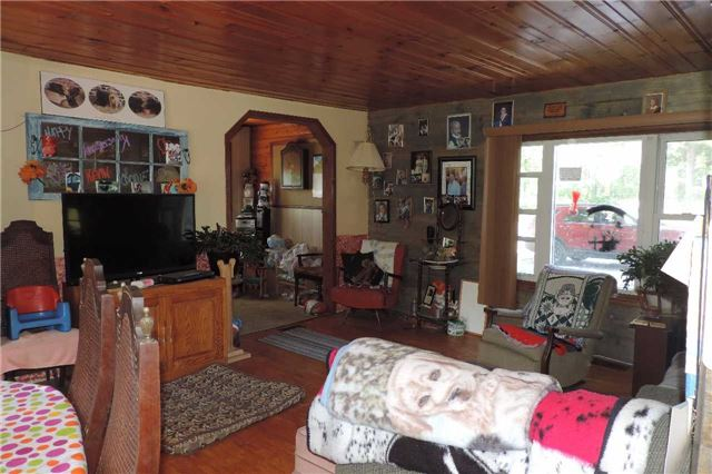 Detached at 3204 New Brailey Line, Severn, Ontario. Image 12