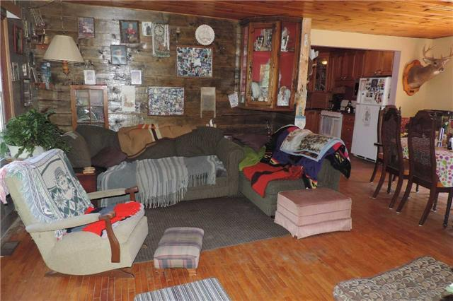 Detached at 3204 New Brailey Line, Severn, Ontario. Image 13