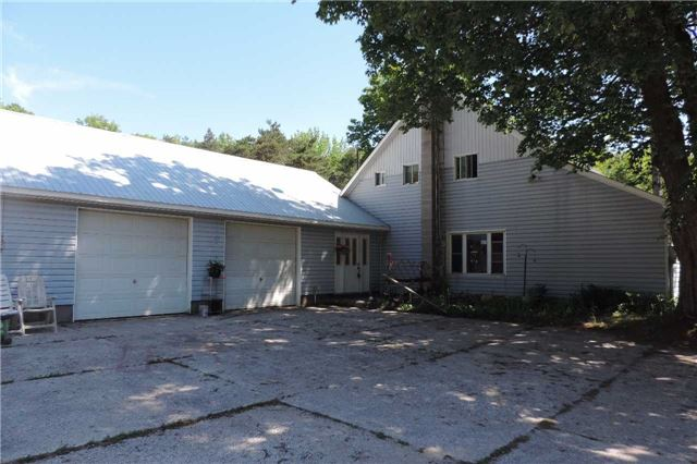 Detached at 3204 New Brailey Line, Severn, Ontario. Image 15