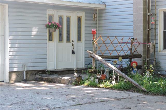 Detached at 3204 New Brailey Line, Severn, Ontario. Image 16