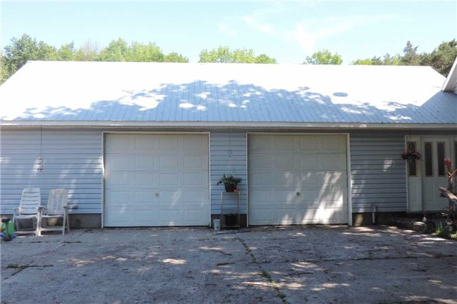 Detached at 3204 New Brailey Line, Severn, Ontario. Image 17
