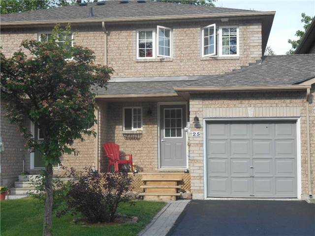 Townhouse at 38 Kenwell Cres, Unit 25, Barrie, Ontario. Image 1