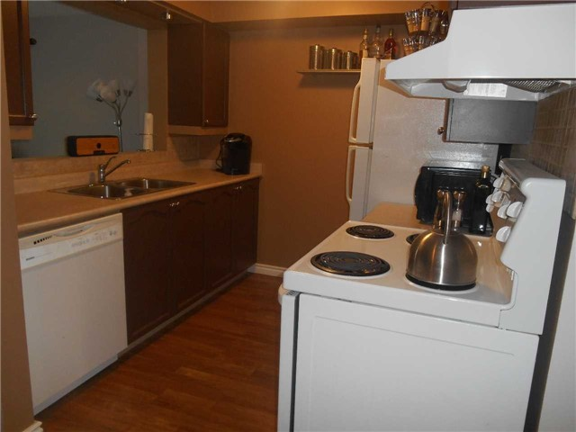 Townhouse at 38 Kenwell Cres, Unit 25, Barrie, Ontario. Image 12