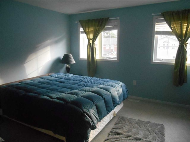 Townhouse at 38 Kenwell Cres, Unit 25, Barrie, Ontario. Image 5