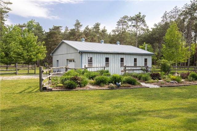 Detached at 6216 Sunnidale Tos. Town Line, Clearview, Ontario. Image 5