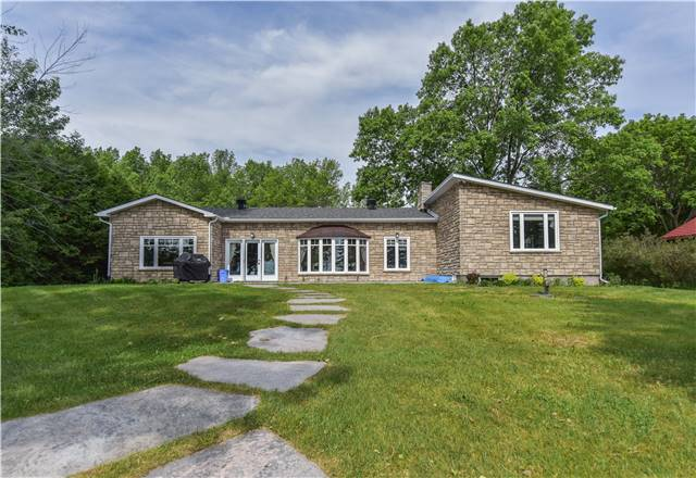 Detached at 259 Moon Point Dr, Oro-Medonte, Ontario. Image 1