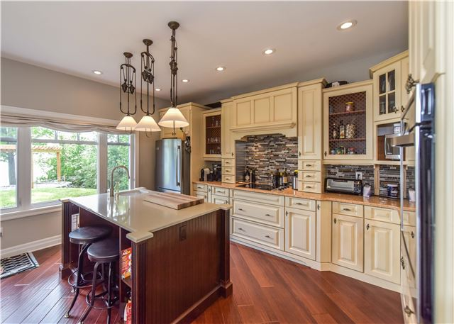 Detached at 259 Moon Point Dr, Oro-Medonte, Ontario. Image 12