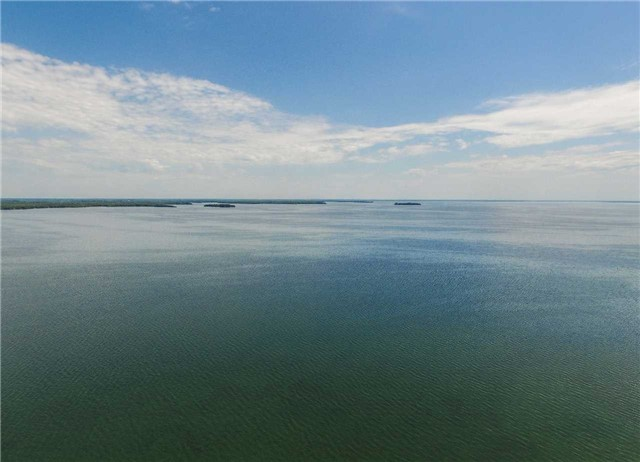 Detached at 259 Moon Point Dr, Oro-Medonte, Ontario. Image 6