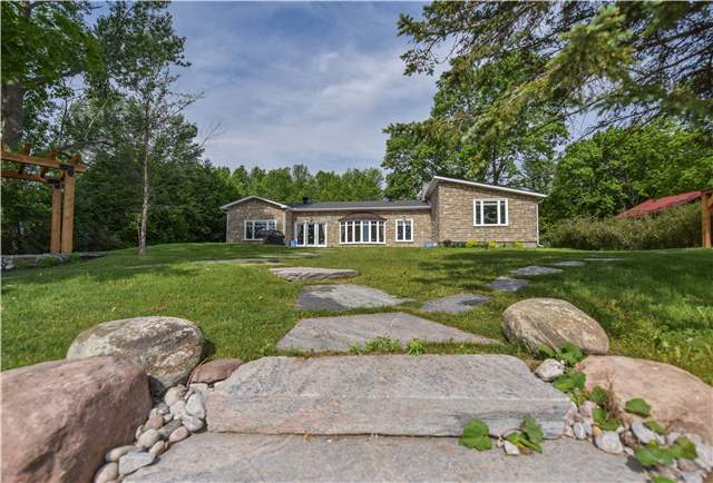 Detached at 259 Moon Point Dr, Oro-Medonte, Ontario. Image 9