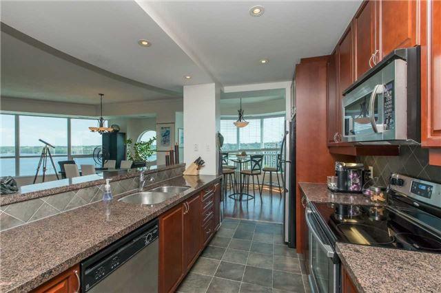 Condo Apartment at 37 Ellen St, Unit 1308, Barrie, Ontario. Image 2