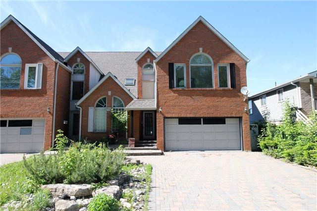 Semi-detached at 157B Cumberland St, Barrie, Ontario. Image 1