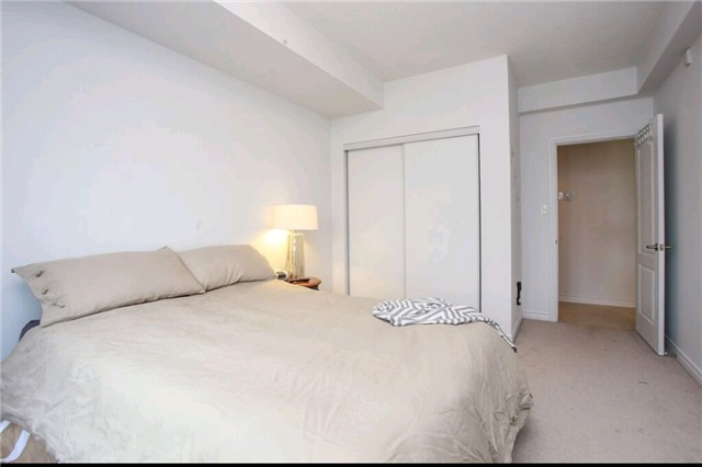 Condo Apartment at 43 Ferndale Dr S, Unit 409, Barrie, Ontario. Image 7