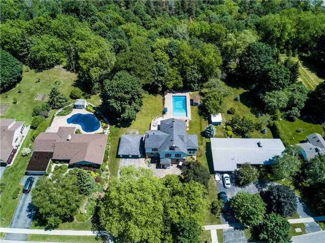 Detached at 105 Sunnidale Rd, Barrie, Ontario. Image 12