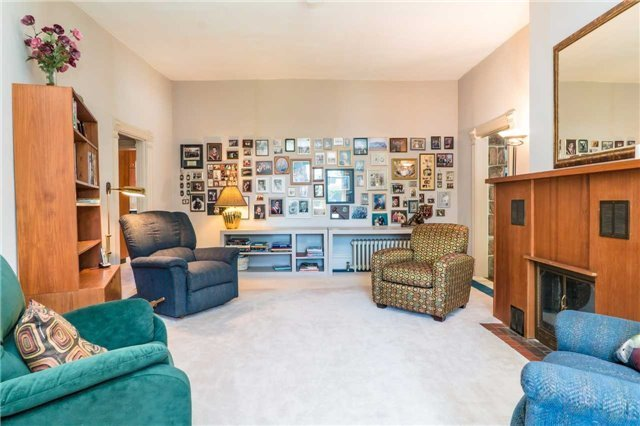 Detached at 105 Sunnidale Rd, Barrie, Ontario. Image 2