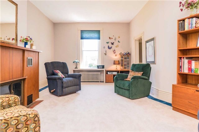Detached at 105 Sunnidale Rd, Barrie, Ontario. Image 3