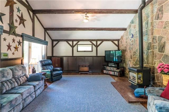 Detached at 105 Sunnidale Rd, Barrie, Ontario. Image 4